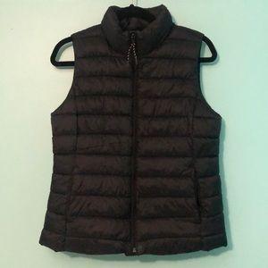 NWOT Gap Black Puffy Vest